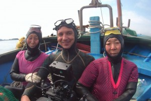 Hanging out on the boat with our two star Haenyeo divers. Jae-Soon Chae andSoon-deok Kim.